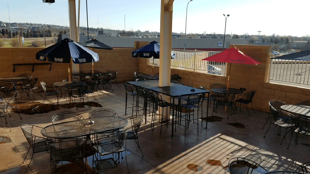 stadium-lodge-patio